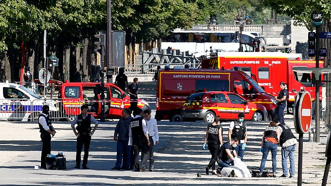 Das Innenministerium geht von einem terroristischen Motiv des Angreifers aus.