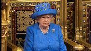 Politisches Statement?: Queen sorgt mit Hut für Spekulationen