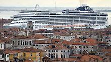 Viele Venezianer sind diesen Anblick leid.