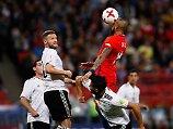 Löw lobt seine Castingtruppe: DFB-Elf wackelt, trotzt aber Chiles Power