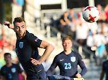 Verteidiger Calum Chambers schwärmt von seinen Mitspielern. Können sie auch gegen Deutschlands Junioren bestehen?