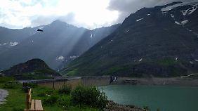 Rund um den Stausee Mooserboden gibt es viele Wander- und Kletterpfade mit unterschiedlichen Schwierigkeitsgraden.