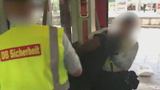 Bundespolizei prüft Vorfall in München: DB-Mitarbeiter zerren Schwarzfahrer mit Gewalt aus S-Bahn