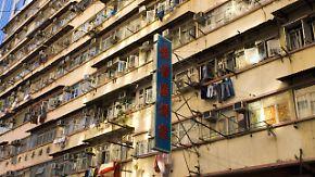 Explodierende Mietpreise und Altersarmut: Hongkong geht der Platz aus