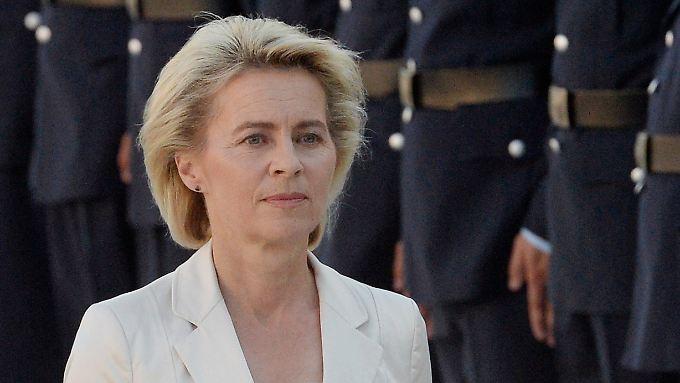 Das Verhältnis von Verteidigungsministerin Ursula von der Leyen zu ihrer Truppe ist derzeit angespannt.
