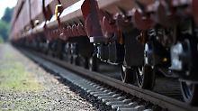 Beschwipst im Güterzug: Lokführer sichtet blinde Passagiere