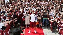 """""""Ich werde alles geben"""": Japan empfängt Podolski wie einen Rockstar"""