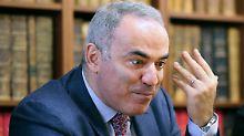 Rückkehr der Schach-Ikone: Der große Kasparow spielt wieder mit