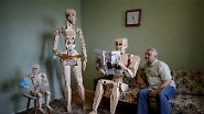 "Wie bei ""Kampfstern Galactica"": Ukrainer baut Holz-Roboter"