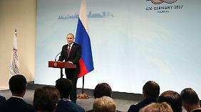 Putin macht seine eigene Zeitrechnung in Hamburg.