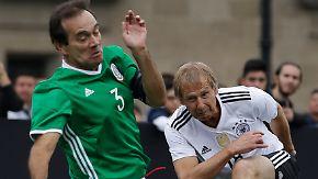 Klinsmann & Co. kicken wieder: Mexiko fordert deutsche Fußballlegenden zur Revanche