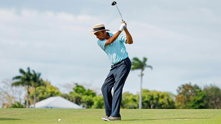 Golfen unter karibischer Sonne.
