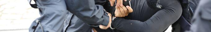 Der Tag: 12:34 Ermittlungen gegen 49 G20-Polizisten