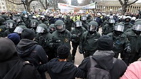 Geschlagen, bespuckt, beschimpft: Polizisten beklagen zunehmende Verrohung der Gesellschaft