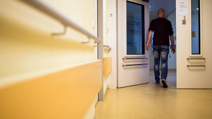 In einem Berliner Modellversuch kommt der Psychiater zum Patienten nach Hause.