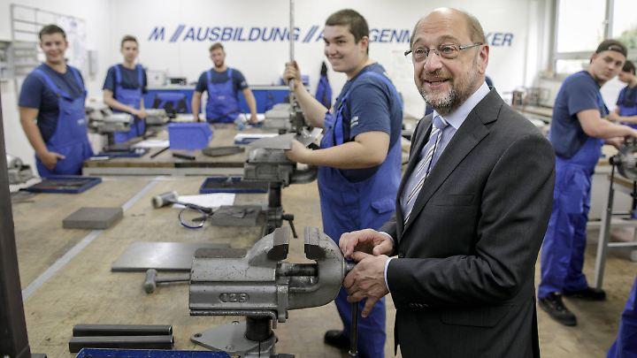 Martin Schulz will den Staat verpflichten mehr zu investieren - zum Beispiel in die Berufsausbildung junger Menschen.