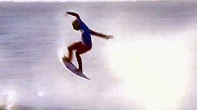 Tolle Sprünge und Hai-Alarm: Brasilianischer Surfer wird in Südafrika König der Wellen