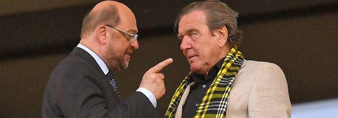 Schlechte Aussichten: Kanzlerkandidat Martin Schulz und der bisher letzte SPD-Kanzler Gerhard Schröder.