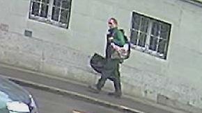 """""""Können absolut keine Entwarnung geben"""": Polizei sucht mit neuem Foto nach Kettensägen-Angreifer"""