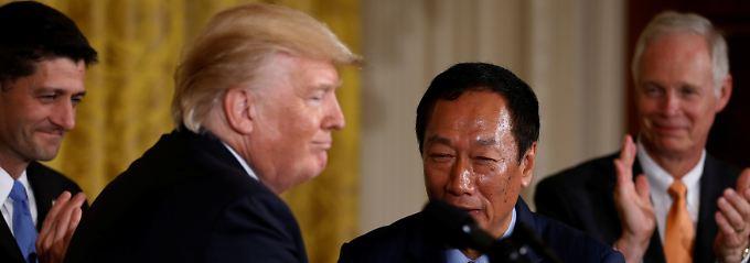 """""""Ein großer Tag für Amerika"""": Foxconn baut Zehn-Milliarden-Werk in USA"""
