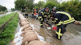 Das Aufräumen beginnt: Hochwassergefahr noch nicht überall gebannt