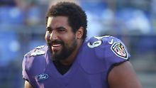 Nach Studie über Hirnschäden: 26-jähriger Footballer beendet NFL-Karriere