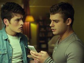 "Sam und Brady: ""Prankster""."
