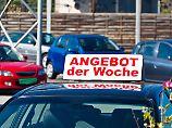 """Der Wiederverkauftswert von Dieselautos dürfte nun """"in den Keller gehen, sagt Auto-Professor Dudenhöffer."""