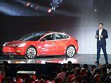 Elon Musk und sein Elektroautobauer Tesla wollen mit dem Model 3 endlich Geld verdienen.