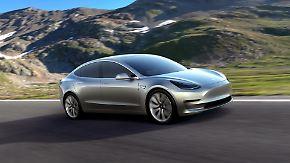 Teslas Meilenstein der E-Revolution: Innovative Mobilität setzt etablierte Autobauer unter Druck