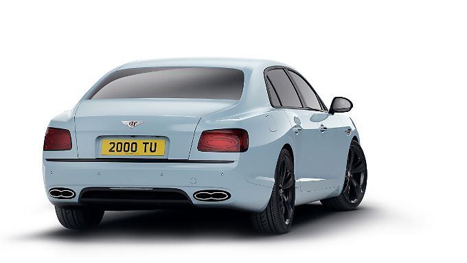Unter anderem ziert das Heck des Bentley Flying Spur V8 S Black Edition ein schwarzer Diffusor.