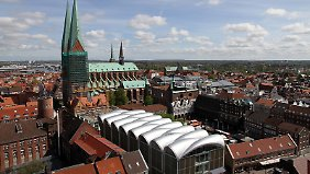 Von der obersten Plattform der St.-Petri-Kirche hat man die beste Sicht auf Lübeck.