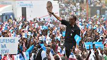 Opposition auf dem Friedhof: Party statt Wahlkampf in Ruanda