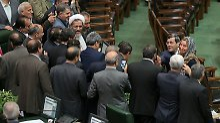 """Eine """"Blamage"""" fürs Parlament: Mogherini verursacht Selfie-Skandal im Iran"""