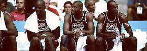 Das Team vereinte die alternden Helden der 80er Jahre wie Magic Johnson und Bird, die neue Superstar-Generation um Jordan und Barkley sowie präzise Distanzschützen (Chris Mullin) und ...
