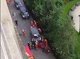 Fahrer weiter flüchtig: Auto rast in Pariser Vorort in Soldatengruppe