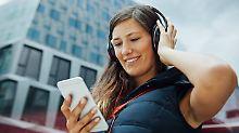 Stadtführer per Smartphone: Immer mehr Touristen vertrauen auf digitale Audio-Guides.
