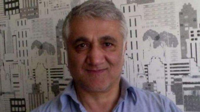 Hamza Yalcin wurde im Spanien-Urlaub festgenommen. Jetzt muss der kritische Reporter die Auslieferung an die Türkei fürchten.