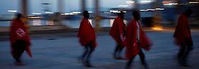 Regeln für Flüchtlingshelfer: Weitere NGO unterschreibt Retter-Kodex