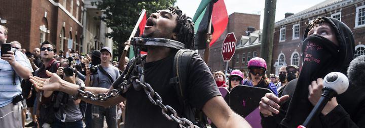 Aufruhr in Charlottesville, VA: Rechter tötet und verletzt Gegendemonstranten
