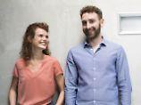Liaison unter Kollegen: Wie Paare in der Firma überleben