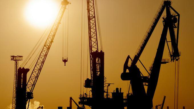 Trotz Baustellen und schlechter Noten: Deutsche Wirtschaft wächst kräftig