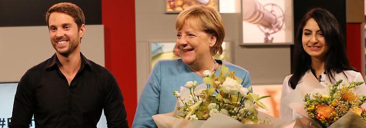 """""""Herzchenoffensive"""" im Wahlkampf: Youtuber bringen Merkel nicht aus der Fassung"""