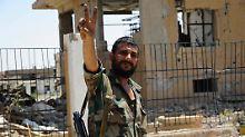 Syrischer Soldat in der zentralsyrischen Stadt Al-Sukhnah.