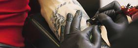 Gesellschaftlicher Wandel: Darf der Polizei-Bewerber ein Tattoo haben?