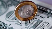 Der Börsen-Tag: Katalonien schwächt Euro, US-Daten stützen Dollar