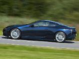 Der zweitürige Lexus LC 500 streckt sich auf satte 4,77 Meter Länge.