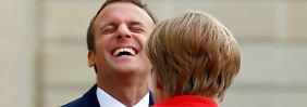 Zu früh für Bewertung im Detail: Merkel begrüßt Macrons Rede - im Grundsatz