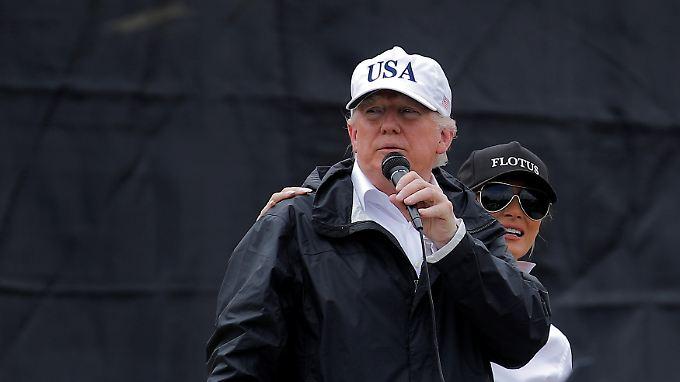 Statt die Flutopfer zu thematisieren, spricht Donald Trump in Texas vor allem von sich und seinen Bemühungen.