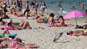 Verdoppelung der Touristensteuer: Mallorca-Urlauber müssen ab 2018 tiefer in die Tasche greifen